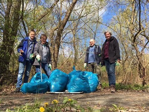 Müllsammelaktion zum Tag der Erde 2021 in Kassel