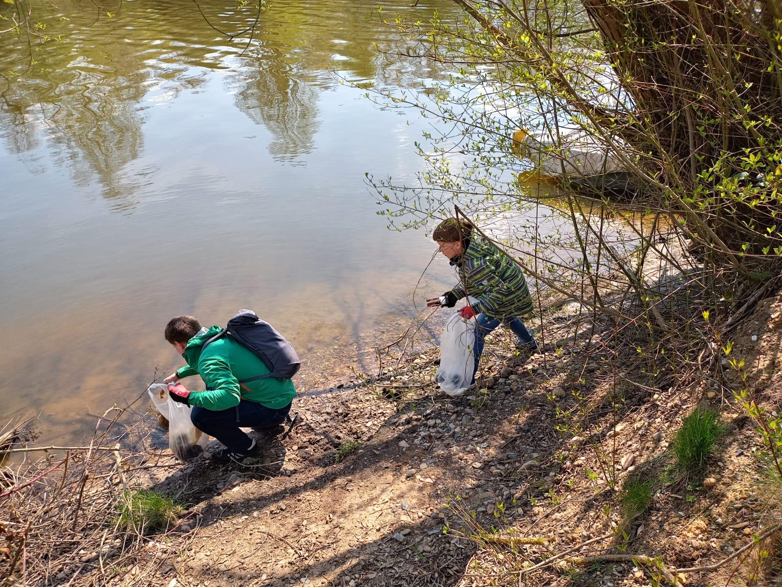 Tag der Erde 2021 Müllsammelaktion am Fuldaufer